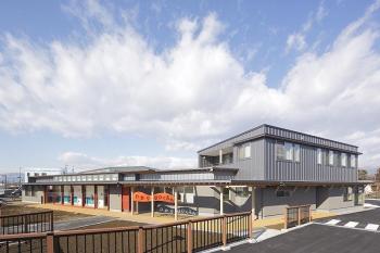 長野市稲里町に『ひかり保育園』が完成しました。
