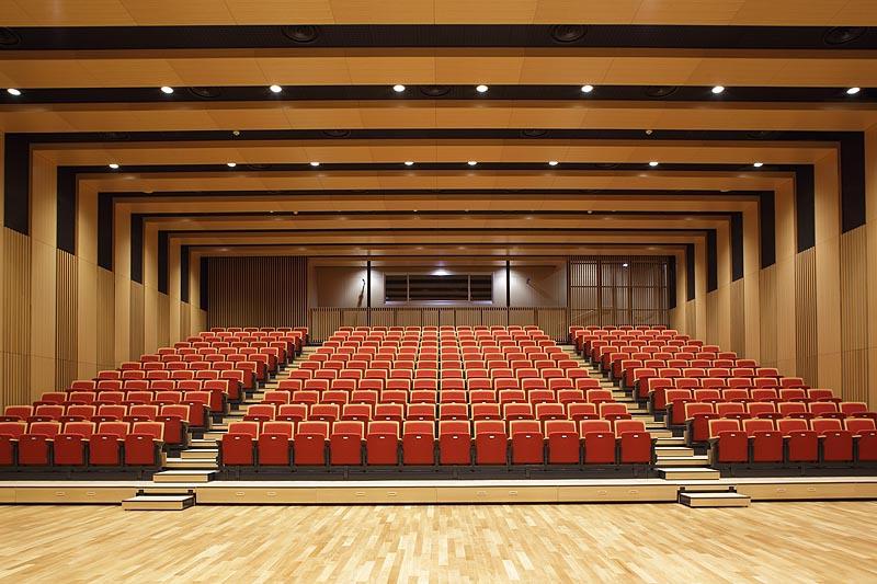 篠ノ井総合市民センター多目的ホール
